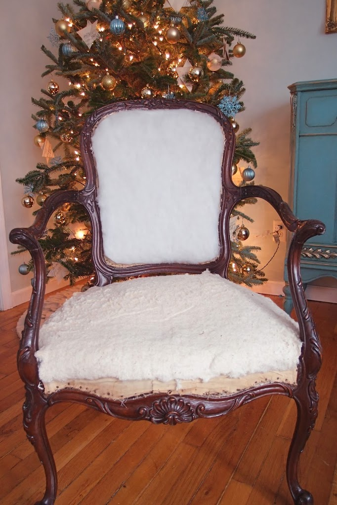 French chair with removed fabric & Stripping Repairing and Upholstering a French Chair Part 1 ...