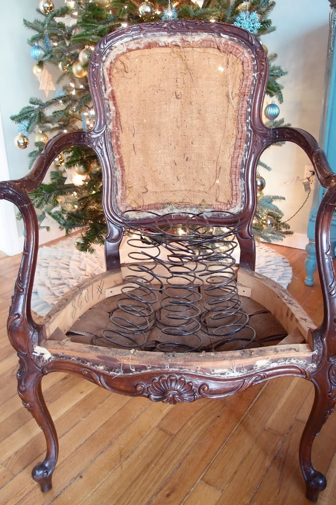 Genial Loose Springs Exposed On A French Chair