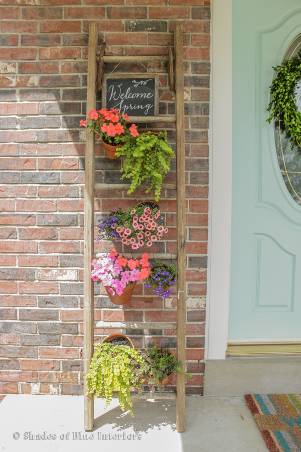 Vintage ladder turned into vertical garden tutorial