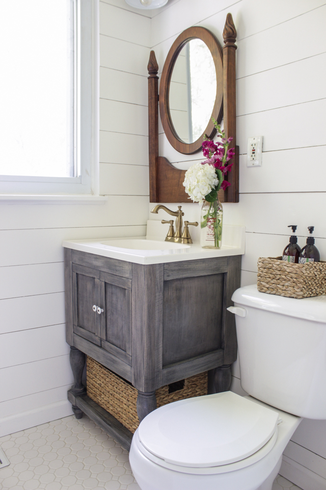 Bathroom Vanity Plans: Small Master Bathroom Vanity + Free Plans