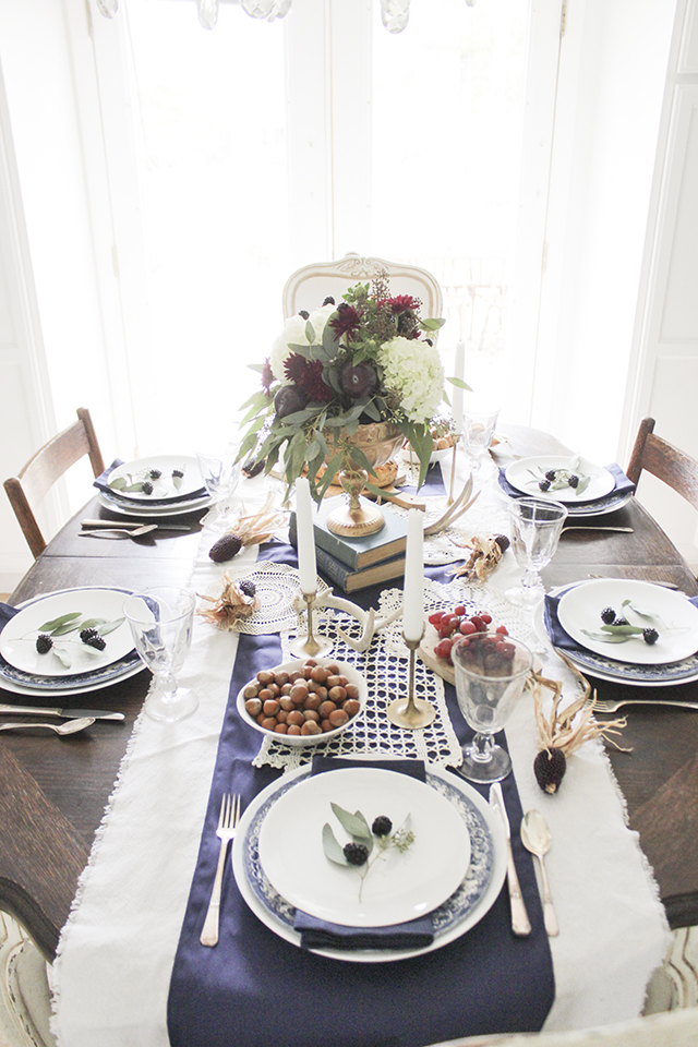 Thanksgiving Table 19