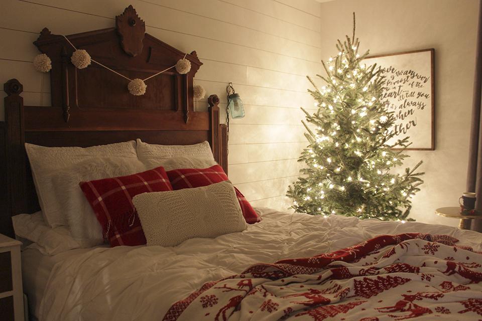 ChristmasBedroom1