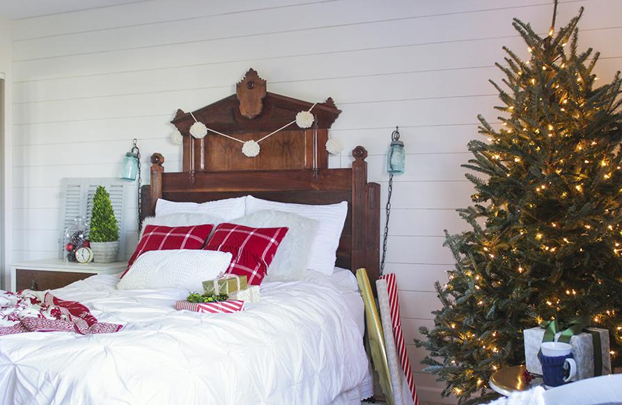 ChristmasBedroom14