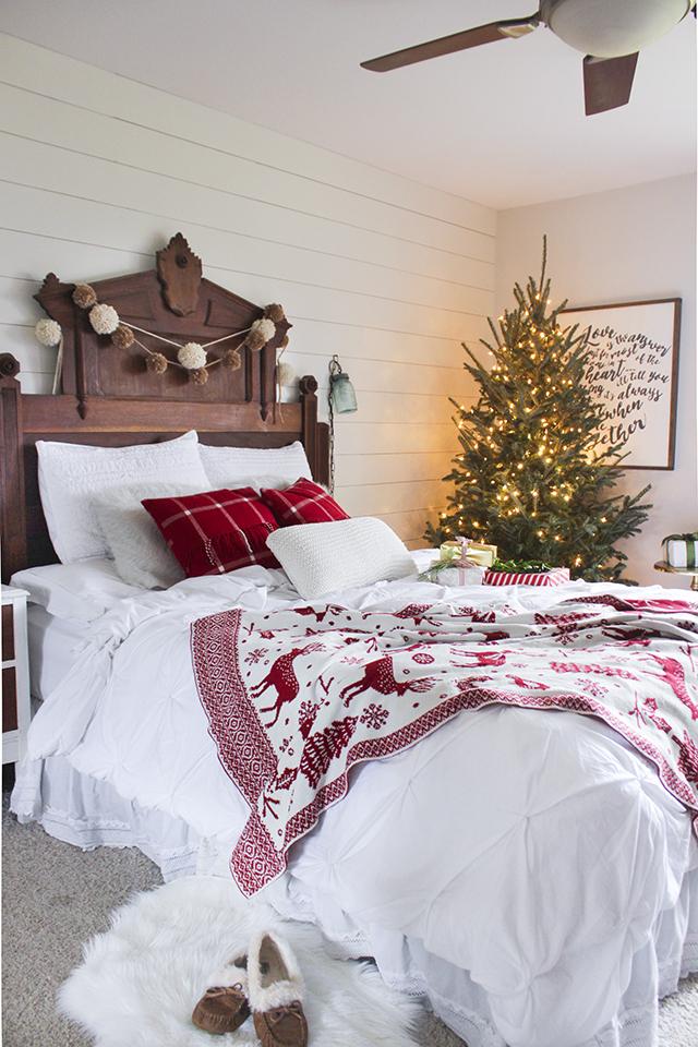 ChristmasBedroom2-1