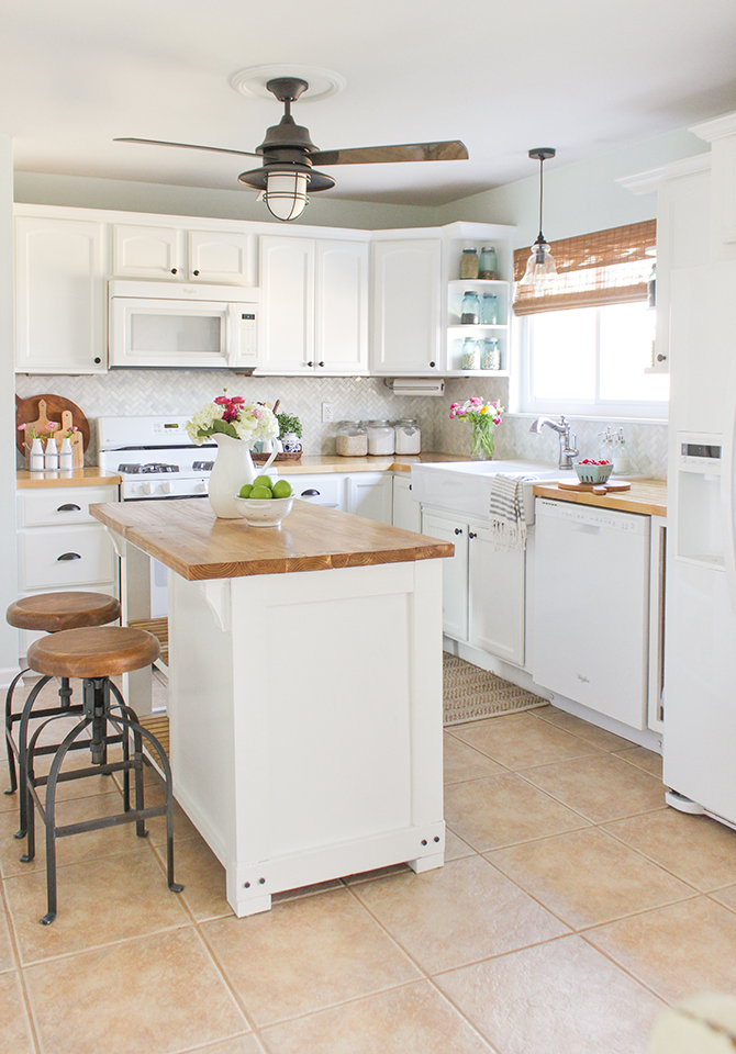 DIY Farmhouse Kitchen Makeover