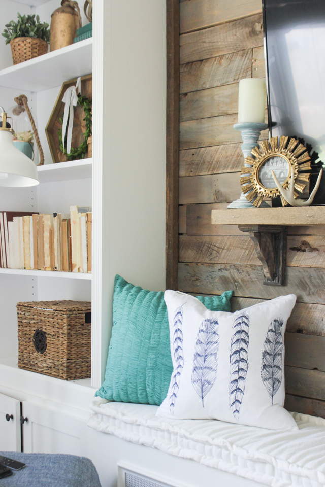 Cozy Spring Home Tour- White and navy living room