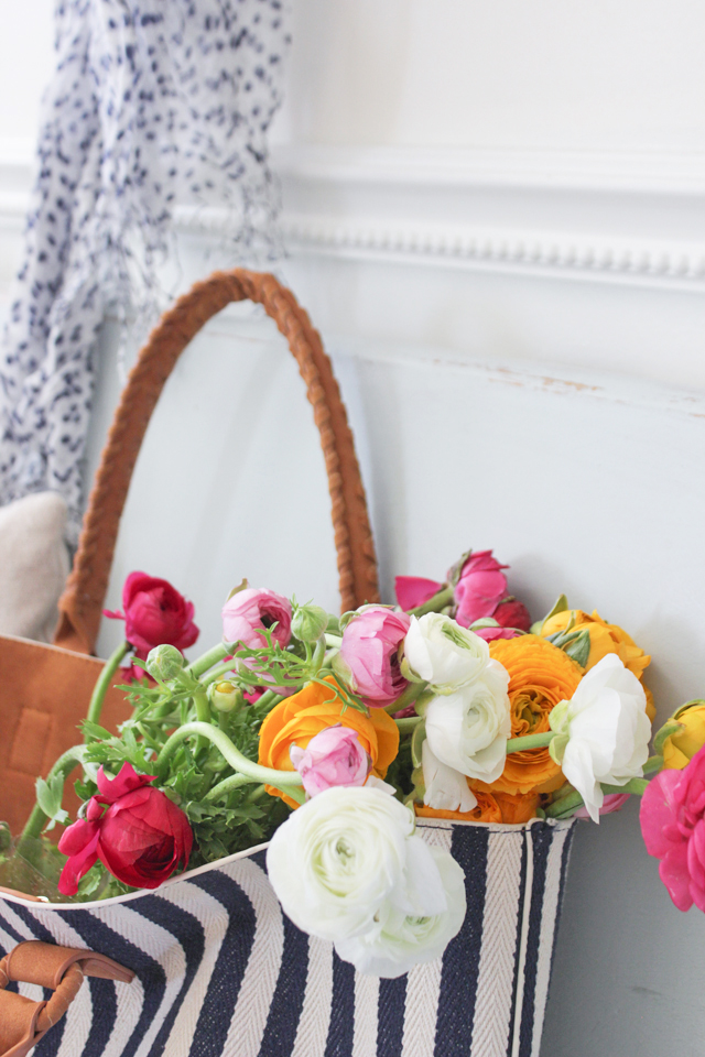 Cozy Spring Home Tour - Ranunculus