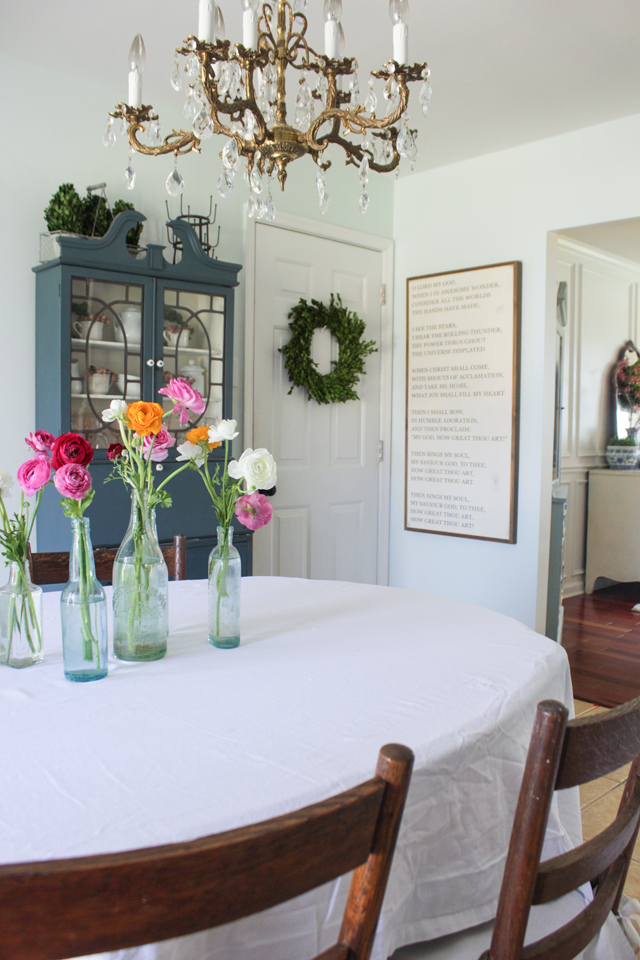 Cozy Spring Home Tour- Dining room
