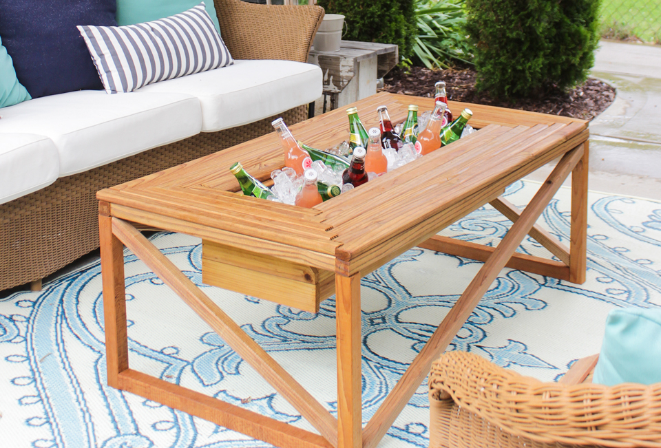 Gentil Outdoor Coffee Table With Beverage Cooler