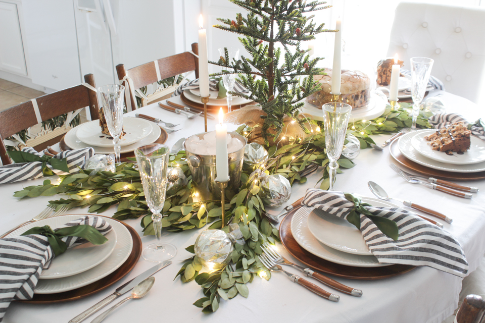 a fresh green christmas table shades of blue interiors - Green Christmas Table Decorations