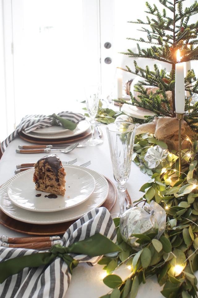 A Fresh Green Christmas Table - Shades of Blue Interiors