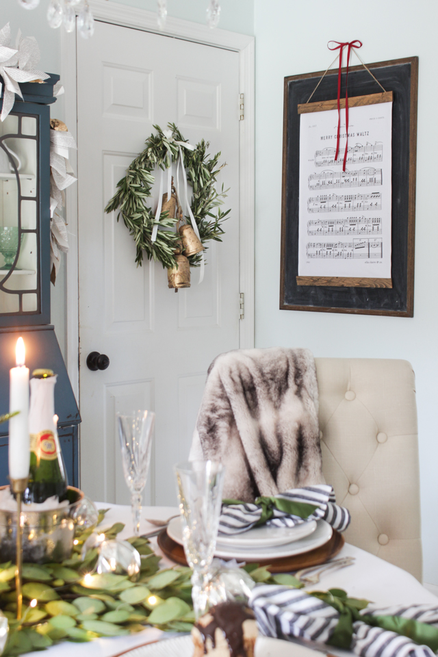 Christmas hymn wall hanging bye Ella Claire & Co