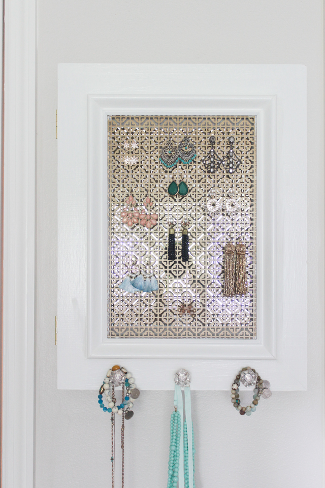 Diy jewelry holder with secret compartment shades of for How to make a secret compartment in your wall
