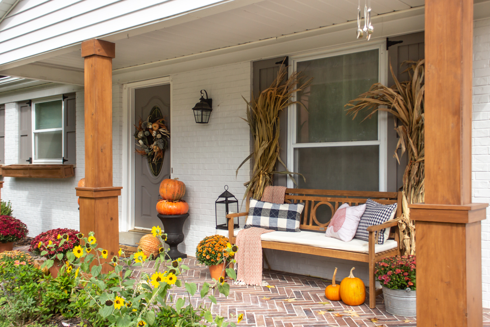 Magnificent Decorating A Front Porch For Fall When You Dont Have Steps Uwap Interior Chair Design Uwaporg