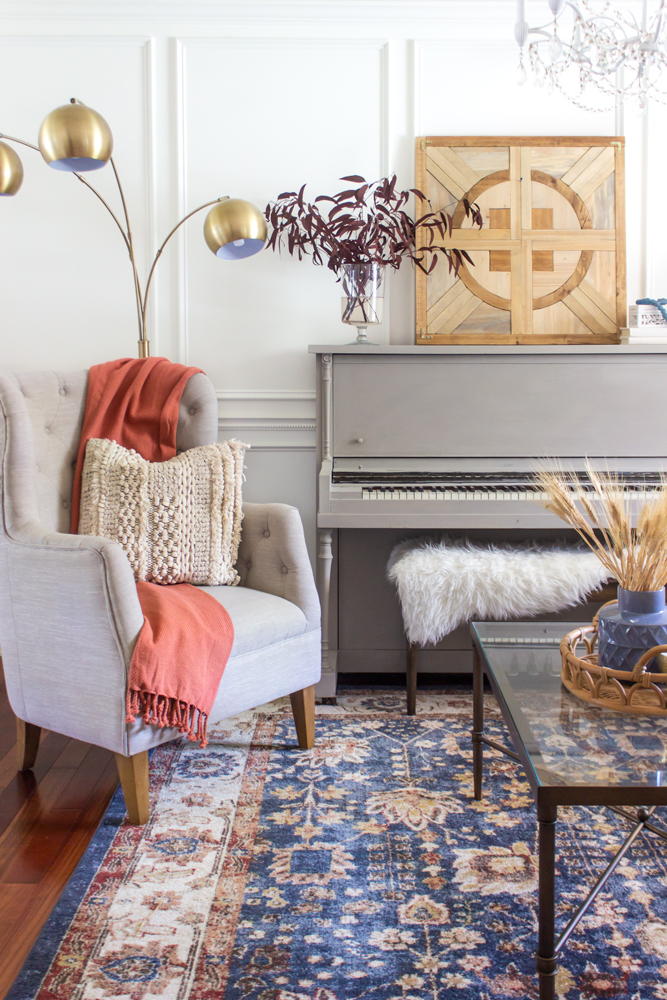 I Ve Had A Light Gray Traditional Rug In This Room For Most Of Year And It Was Great The Spring Summer Because Helped Reflect Lot
