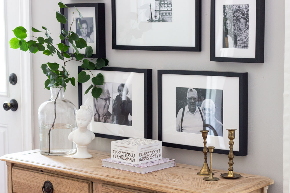 Styling A Console Table When You Are Feeling Stuck Shades Of Blue Interiors - Things To Put On Entryway Table